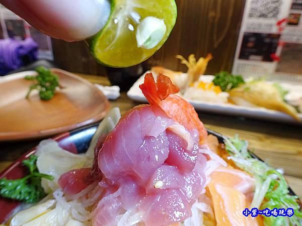 山口鮭魚親子丼-山口刺身丼飯專賣店 (1)2.jpg