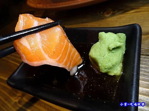 鮭魚刺身-山口刺身丼飯專賣店.jpg