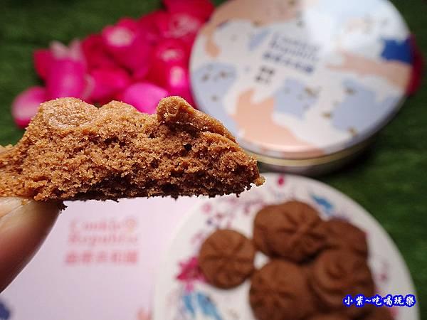 曲奇共和國.椰香黑巧-鴻鼎菓子  (1).jpg