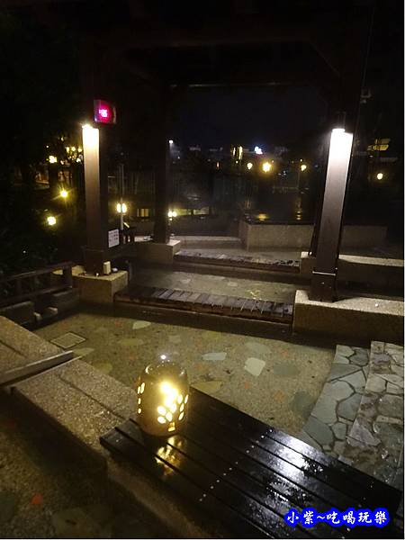 礁溪溫泉公園泡腳  (2).jpg