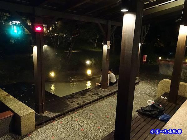 礁溪溫泉公園泡腳  (7).jpg