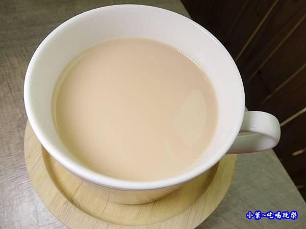 紅茶拿鐵-百味釜精緻鍋物.jpg