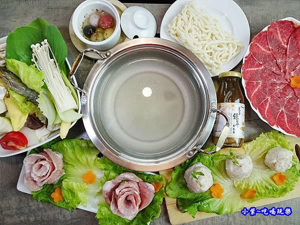 首圖-百味釜精緻鍋物.jpg