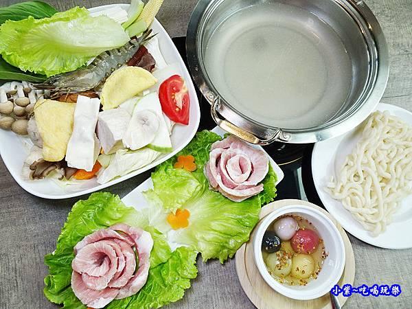 御路松阪鍋-百味釜 (1).jpg