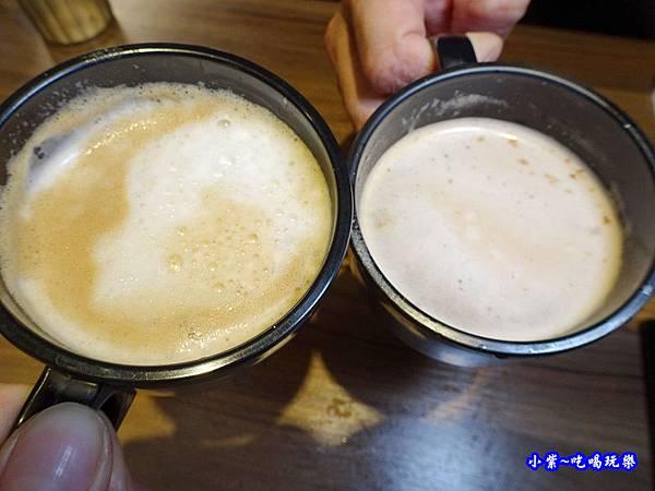 咖啡-肉多多火鍋竹北店 (2).jpg