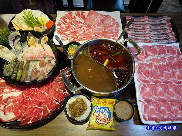 雙人海陸分享餐-肉多多火鍋竹北店 (3).jpg