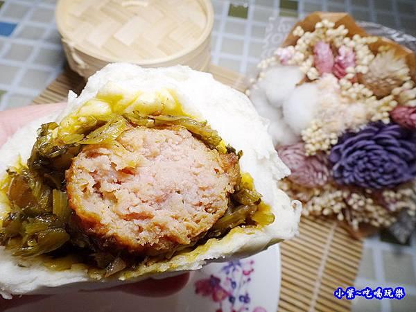 紅燒獅子頭-福興包子饅頭 (3).jpg