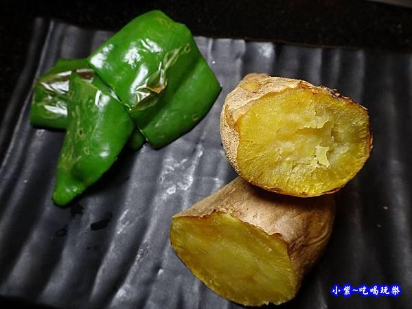 烤青椒、冰心地瓜-瓦崎燒烤火鍋公館店.jpg