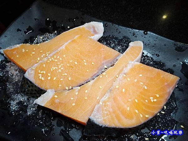 智利薄塩鮭魚-瓦崎燒烤火鍋公館店.jpg