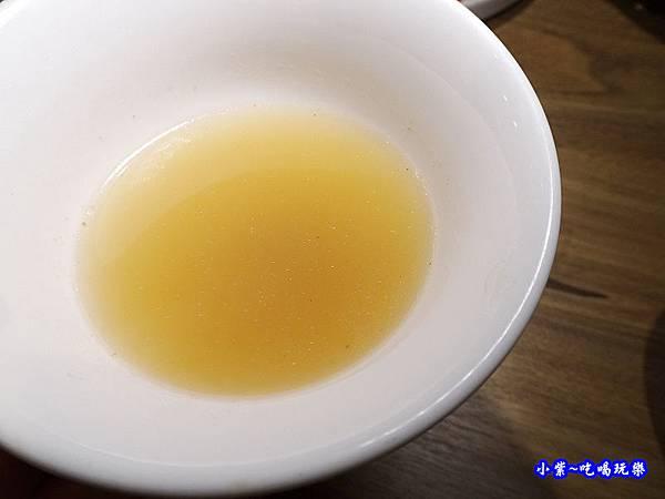 黑蒜肉骨鍋-澤鍋物 (2).jpg