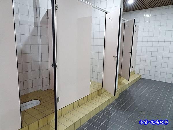 女廁-大安濱海樂園 (1).jpg