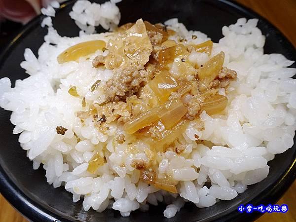 滷肉飯-老湯鍋八德店 (1).jpg