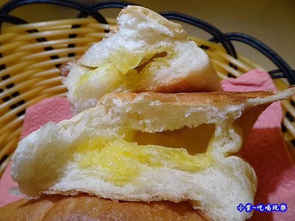 奶油麵包-桃園牛排總店 (21).jpg