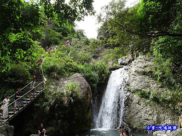 猴洞坑瀑布(下層瀑布) (5).jpg