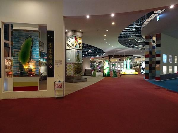 台灣玻璃館2樓展場 (7).JPG