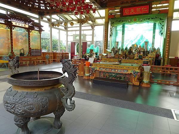 台灣護聖宮-玻璃媽祖廟 (4).jpg