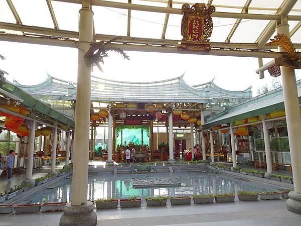 台灣護聖宮-玻璃媽祖廟 (5).jpg