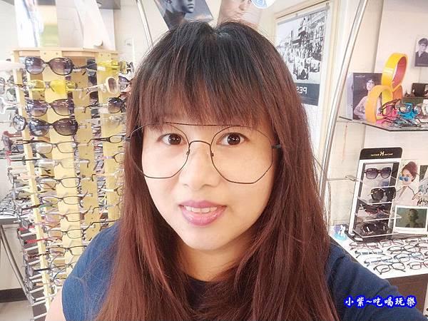 黑細框眼鏡-德新瞳 (2).jpg