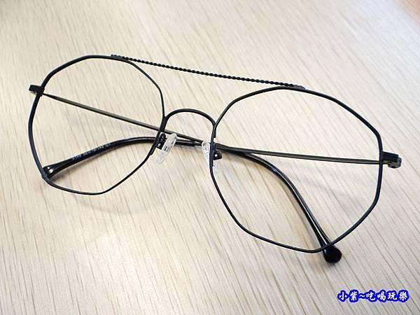 黑細框眼鏡-德新瞳 (3).jpg