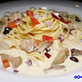 奶油蘑菇雞肉義大利麵-沛緹歐 (1).jpg