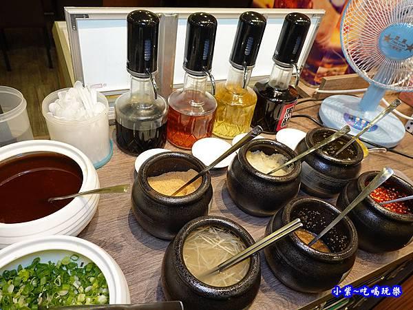 八方悅鴻金寶店沾醬 (2)55.jpg