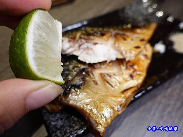 炙燒鯖魚-大河屋居酒屋 (2).jpg