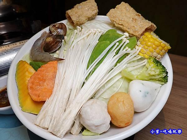 個人鴛鴦鍋菜盤-茶自點永和旗艦店 (2).jpg