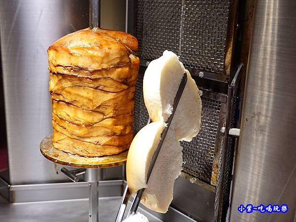 烤麵包-月見山沙威瑪沙鹿店.jpg