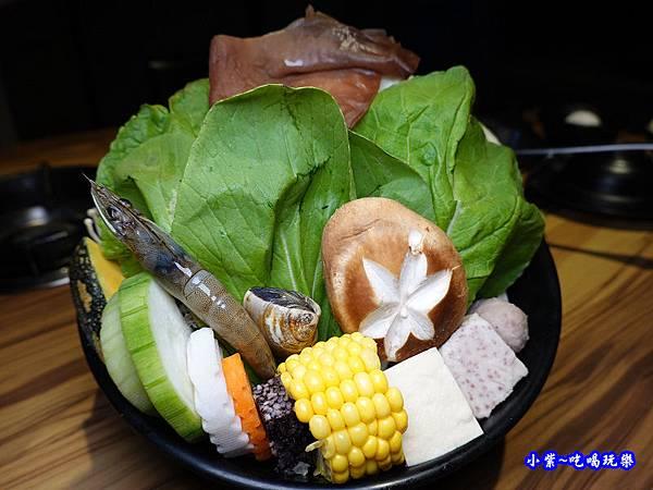 菜盤-2019沙鹿驛庭鍋物 (1).jpg