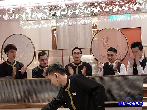 慶生唱歌-美滋鍋台灣 (1).jpg