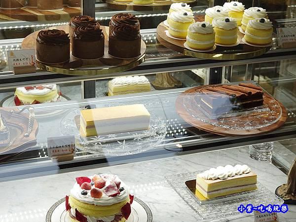 東京巴黎甜點蛋糕櫃34.jpg