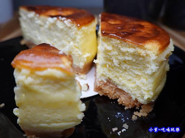皇家頂級布蕾乳酪 -東京巴黎甜點南京店 (3).jpg