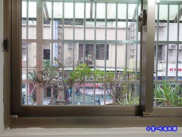 客廳舊氣密窗-蘆洲 (1).jpg