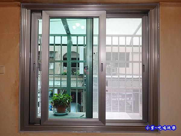 神明廳靜音窗完工-華豐氣密窗靜音窗 (2).jpg