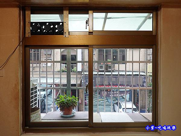 神明廳舊氣密窗-蘆洲  (3).jpg