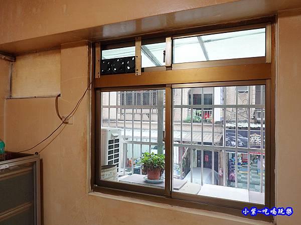 神明廳舊氣密窗-蘆洲  (1).jpg