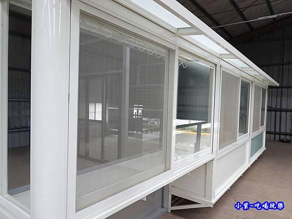陽台氣密凸窗-華豐氣密窗靜音窗 (1).jpg