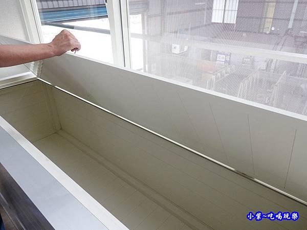 置物式陽台氣密凸窗-華豐氣密窗靜音窗  (1).jpg