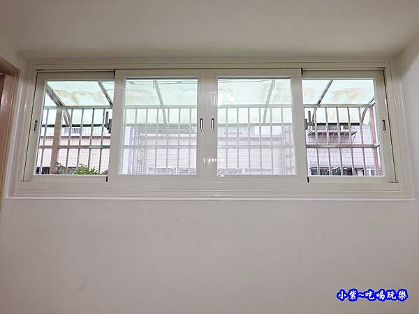 蘆洲客廳換裝靜音窗成品-華豐氣密窗靜音窗 (2).jpg