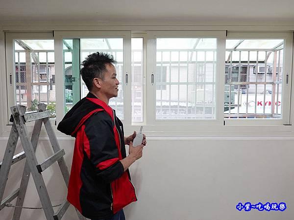 蘆洲客廳換裝靜音窗成品-華豐氣密窗靜音窗 (6).jpg