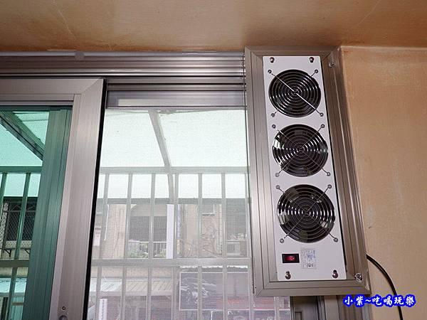 蘆洲神明廳加裝排風扇-華豐氣密窗靜音窗 (2).jpg