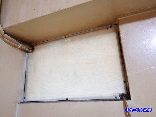 神明廳窗型冷氣孔拆板-蘆洲0.jpg