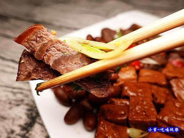 黑竹園滷牛肉 (2).jpg