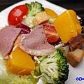 和風蜜桃鴨胸沙拉-洋城義大利餐廳慶城店 (1).jpg