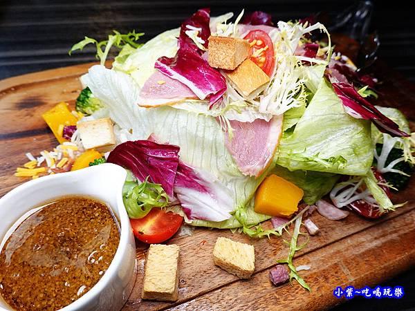 和風蜜桃鴨胸沙拉-洋城義大利餐廳慶城店 (4).jpg