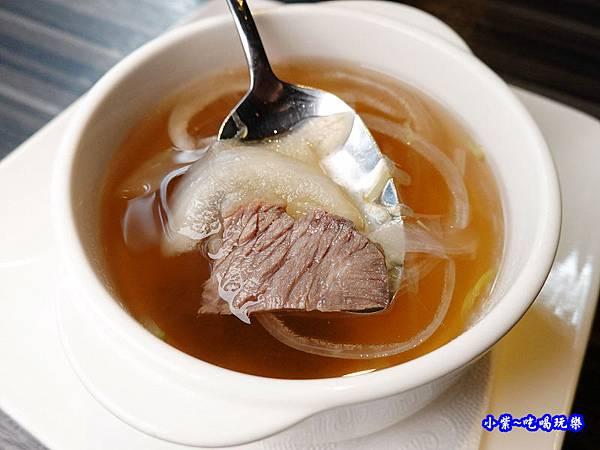 法式牛肉清湯-洋城義大利餐廳慶城店.jpg