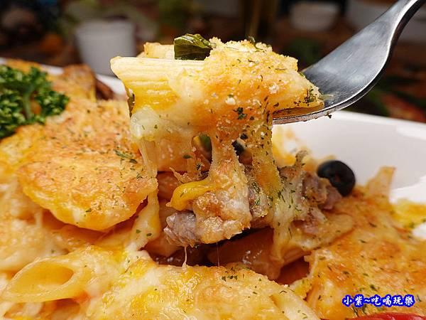 焗烤茄汁小牛筆管麵(加麵)-洋城義大利餐廳慶城店 (4).jpg