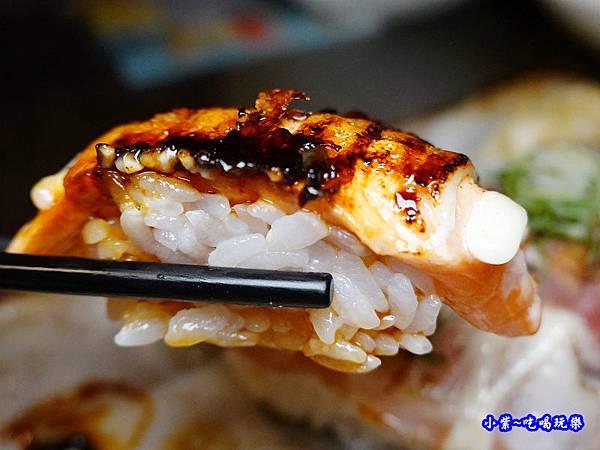 焦糖鮭魚握壽司-鮨老大 (2).jpg