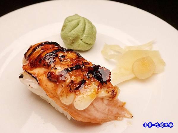 焦糖鮭魚握壽司-鮨老大 (1).jpg