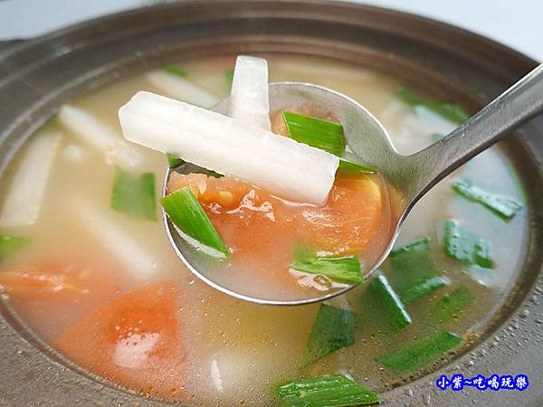 番茄蘿蔔鴨骨湯-四季中餐廳  (1).jpg
